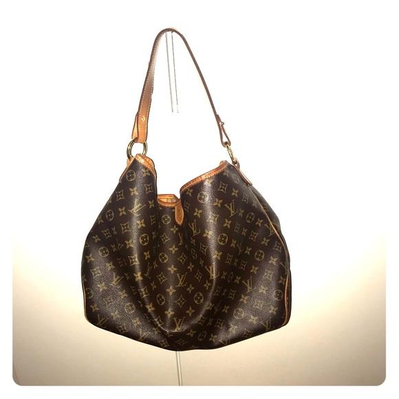 14a82cb05f0c5 Louis Vuitton Handbags - Authentic LV Delightful MM